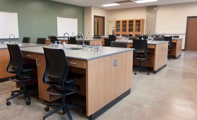 Arthur Weisberg Family Applied Engineering Complex Lab